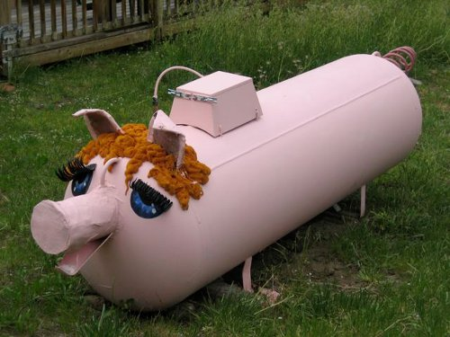 painted propane tank Fuel Tank Art #1: Pigs on Parade
